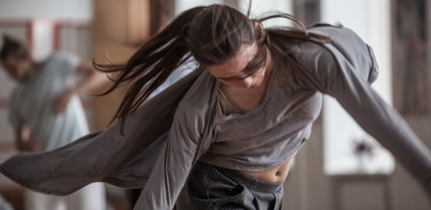 dancer improvise. contemporary dance performing